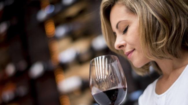 <span>Enligt Sven Andréasson har rödvin inte den skyddande effekt som det tidigare hävdats.</span>