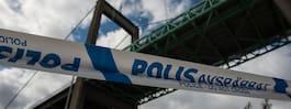 Polis söker man i ljus väst efter mord vid bro