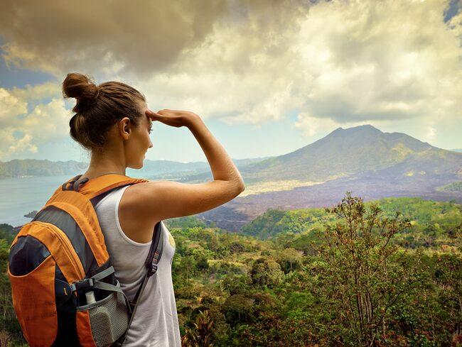Om du söker nya utmaningar kan du söka jobbet där du får betalt för att resa.