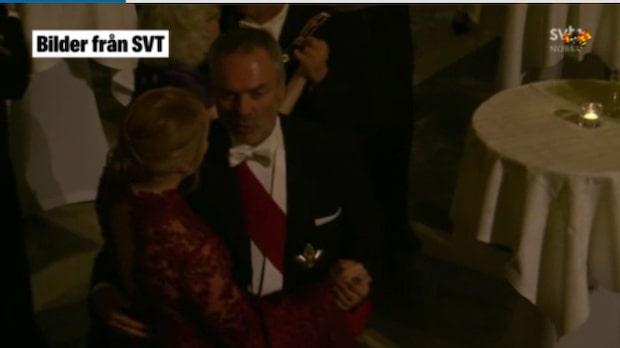 Här dansar festdeltagarna – Jan Björklund och Annie Lööf tog en sväng