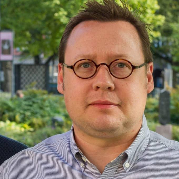 Johan Ulvenlöv, som skriver tillsammans med Tobias Lundin Gerdås, båda från LO, uppmanar till att vi nu tillsammans fortsätter att tränga undan hatet med meningsfulla berättelser om humanitet. Foto: Anders Larsson