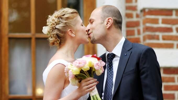 Kyrka ska bokas, lokal ska hyra... Puh, vägen till bröllopsdagen är lång. Foto: Shutterstock