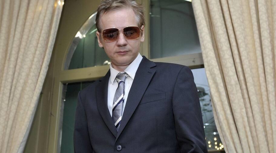 Assanges svenske advokat varnad