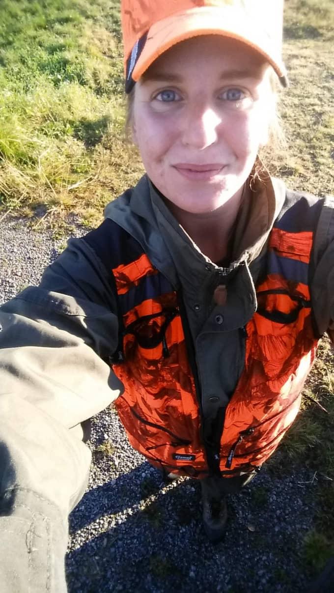 Jessica Gard, 24, fick upp spår på en älg som flydde ut i havet. Foto: Privat