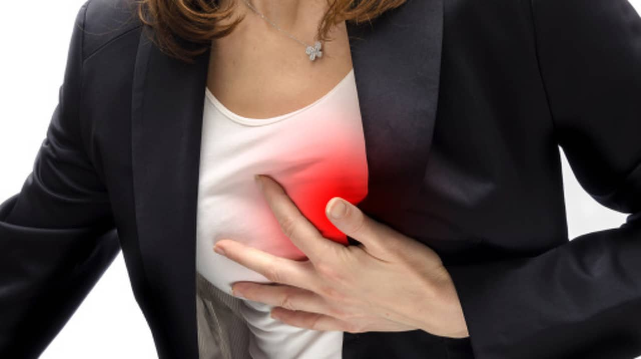 ont under vänster bröstmuskel