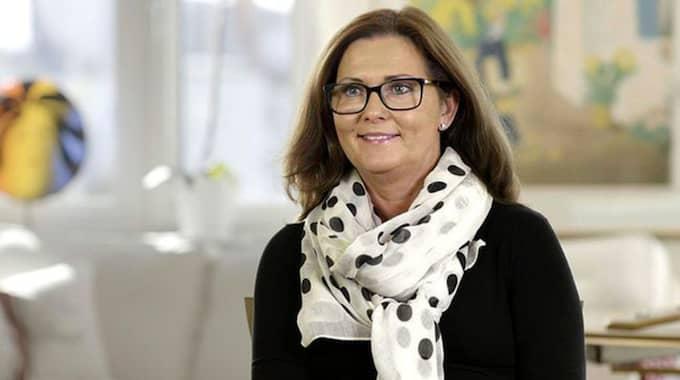 """Kamilla Kreffe, 54. Bostad: Vindsvåning, Helsingborg. Kamilla är nöjd med sin medverkan i programmet. """"Jag tyckte verkligen att det var roligt att vara med. Programmen speglar ju livet som det ofta är vilket inkluderar drömmar och inte minst livsöden. Men det blev naturligt att berätta om det."""" Foto: SVT"""