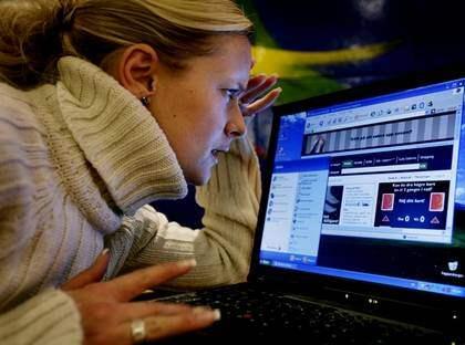 BESLUTAT I EU. Att bli avstängd från internet kan bli en möjlig straffsats efter gårdagens omröstning om telekomförslaget i Europaparlamentet. Foto: Sporrong Olle