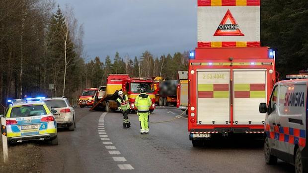 Tre döda efter kraschen utanför Mariestad