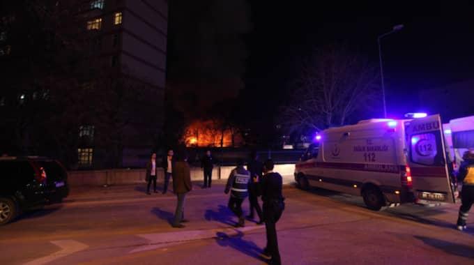 Enligt Independent har minst 20 ambulanser kallats till platsen. Foto: Str/Epa/TT