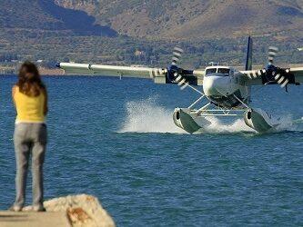 Då ska minst hundra sjöflygplan vara i drift, enligt planerna.