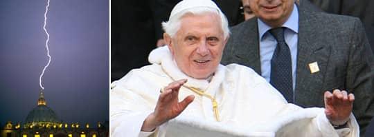 Blixten slog ner i Peterskyrkan efter att påven Benedictus XVI meddelade att han avgår. Foto: AFP
