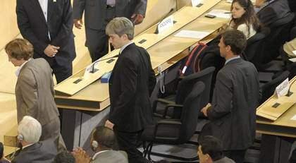 Flera ambassadörer, regeringsföreträdare och andra landsrepresentanter lämnade FN:s rasismkonferans när Irans statsöverhuvud Mahmoud Ahmadinejad talade. Foto: Laurent Gillieron