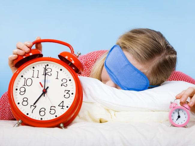 Sover du så dåligt att du måste ha både ögonskydd, öronproppar och två väckarklockor? Lugnt! Det går att lösa.