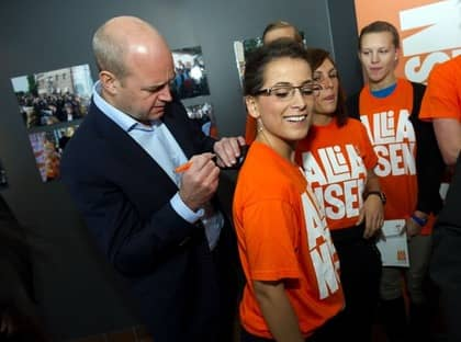 Statsminister Fredrik Reinfeldt peppade valarbetarna i Malmö på lördagsmorgonen. Foto: Christian Ornberg