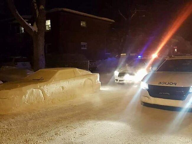 Simon Laprise passade på att lura polisen när snön föll över Montreal.