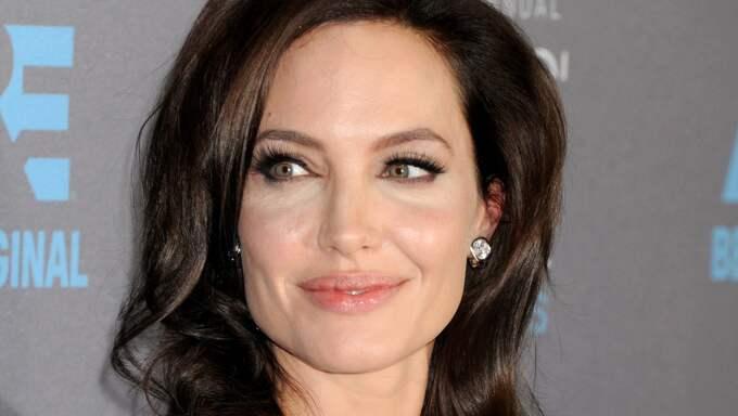 Har Angelina Jolie gått vidare efter exmaken Brad Pitt? Foto: Broadimage/Rex / BROADIMAGE/REX REX FEATURES