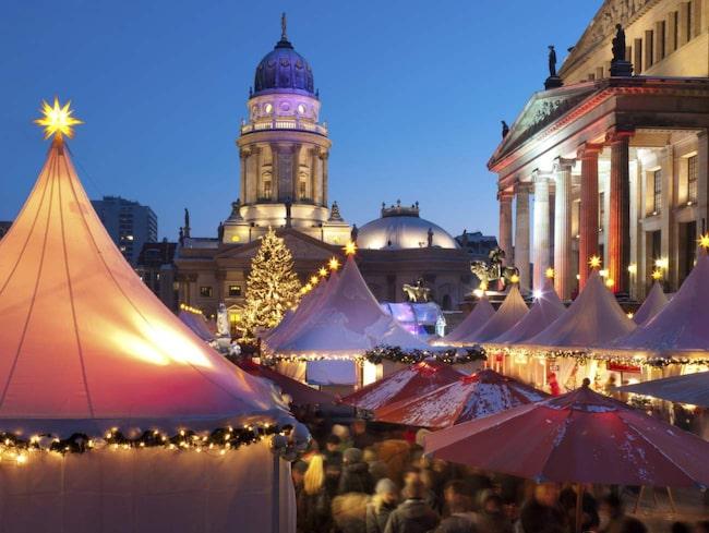 <span>Berlin i Tyskland är julmarknadernas huvudstad – här hålls totalt över sextio julmarknader.<br></span>