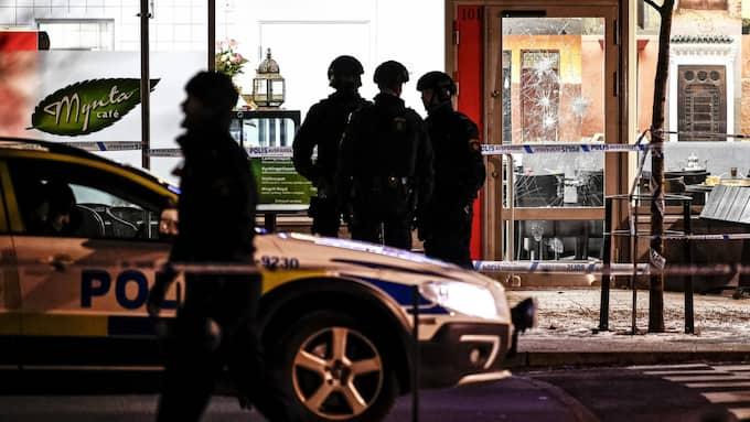 Polisen är frustrerad efter dubbelmordet på bröderna på kafé Mynta i Rinkeby. Foto: Alex Ljungdahl / ALEX LJUNGDAHL EXPRESSEN