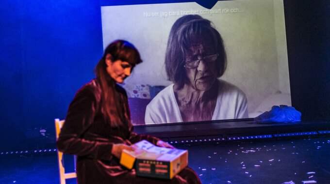 Charlotte Engelkes har gjort en musikal om sin mamma. Foto: Mats Bäcker