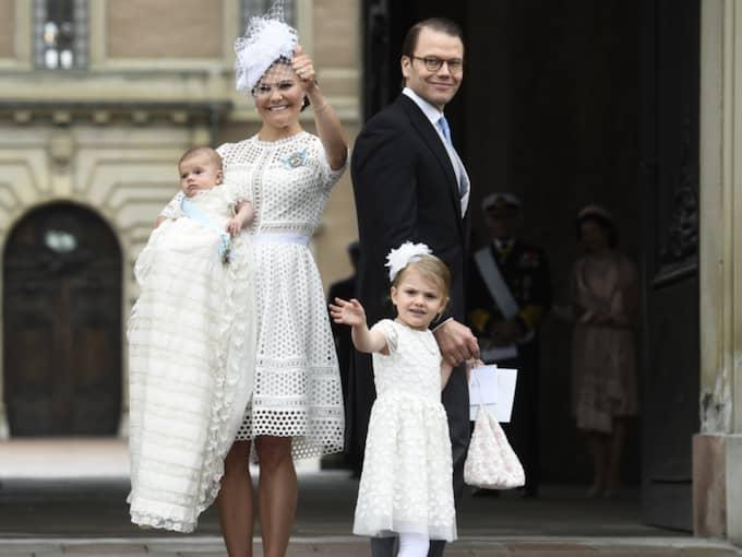 Kronprinsessan Victoria, prins Daniel, prins Oscar och prinsessan Estelle. Foto: SVEN LINDWALL EXP