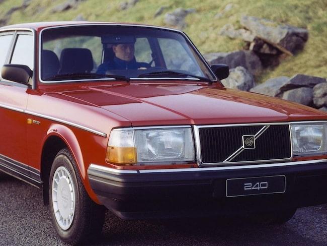 Det är lägre bullernivå i en gammal Volvo 240 än i moderna XC90.