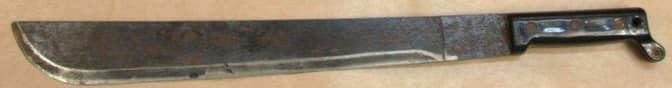 I vassen hittades en machete, ute på isen hittades en annan. Foto: Polisen