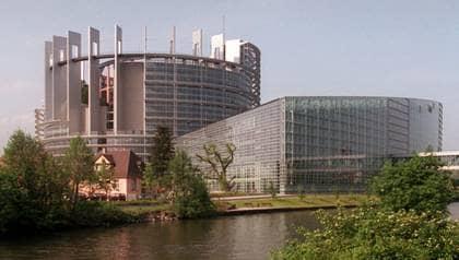 De svenska politiker som får plats i EU-parlamentet har högre månadslön än statsministern.