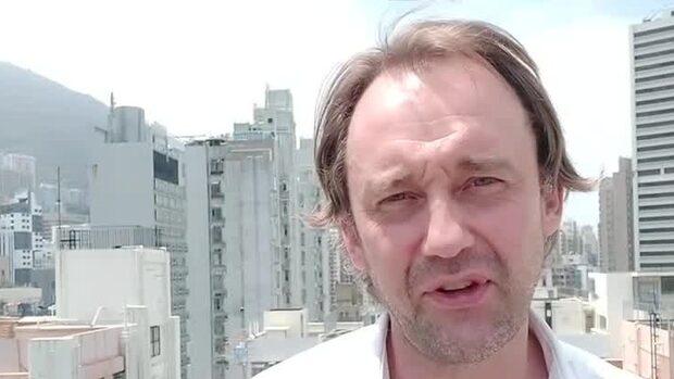 "Asienkorrespondenten: ""Dårarnas rally"""