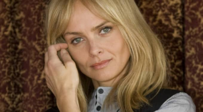 izabella scorupco and jeffrey raymond relationship test