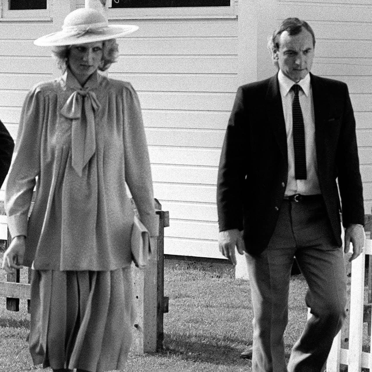 Diana avslöjas med sin älskare