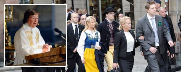 Biskop Eva Brunne talade om främlingsfientlighet i sin predikan i Storkyrkan. Då lämnade flera Sverigedemokrater gudstjänsten i protest.