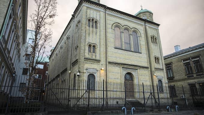Synagogan i Göteborg attackerades i lördags av ett tio- till ett tjugotal maskerade gärningsmän. Foto: HENRIK JANSSON