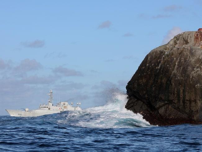 Klippan Rockall ligger ensligt mellan Skottland och Island.