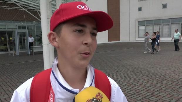 Oscar, 13, är tolfte svensken på planen mot Tyskland