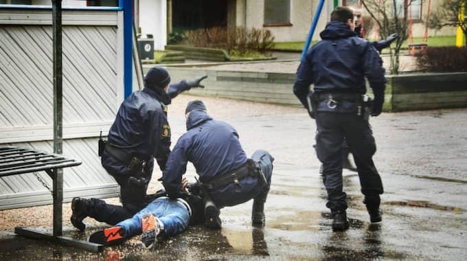 Polisen grep Mark Saliba några timmar efter att tre personer hittades mördade på Bävedalsvägen i Uddevalla i början av mars. Foto: Robin Aron