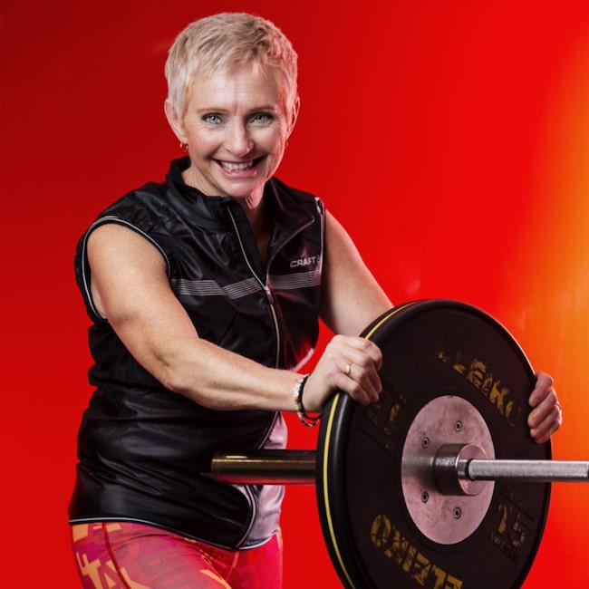 <span>Paola Johansson hade aldrig tränat. men efter en whiplashskada började hon stavgå - och i dag är hon svensk mästare i styrkelyft.</span>