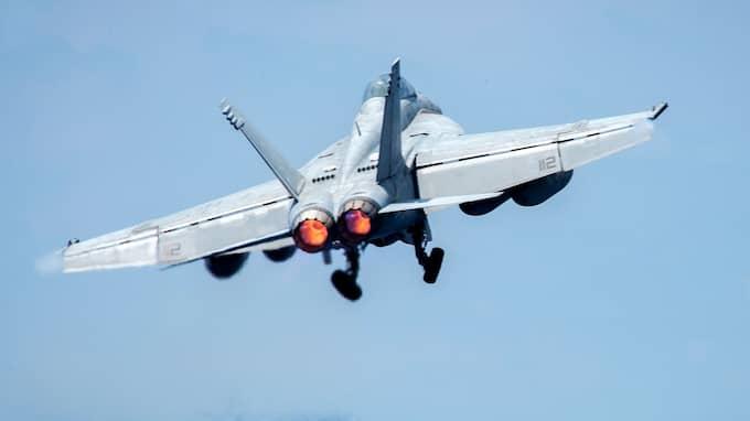 Flygplan av den modell som sköt ner det syriska stridsplanet. Foto: JAKE CANNADY /US DOD HANDOUT / EPA / / EPA TT NYHETSBYRÅN