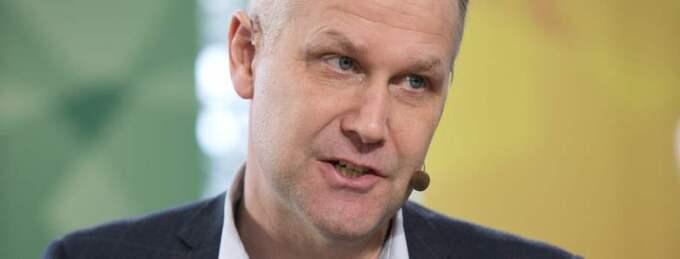 Jonas Sjöstedt presenterar samtidigt förslag till en EU-kommissionärspost. Foto: Sven Lindwall