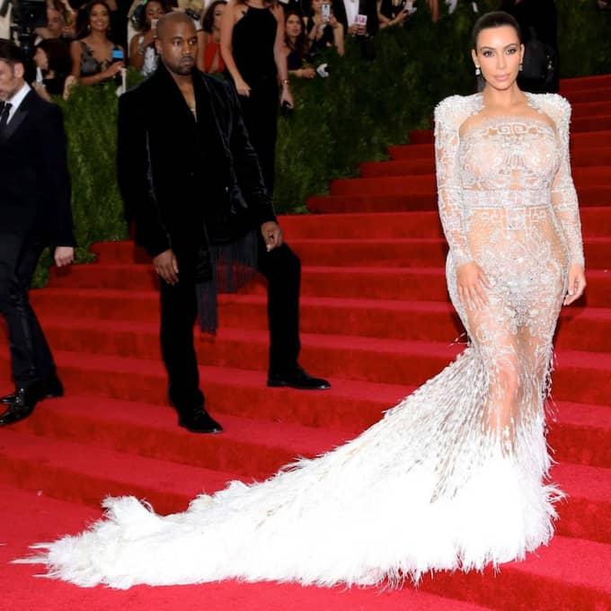 Kim Kardashian gjorde allt för att stjäla rampljuset på årets MET-gala… Foto: Ao Images/Fameflynet Pictures