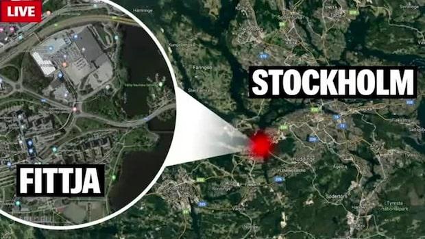 Person hittad död i utbrunnen bil i Fittja
