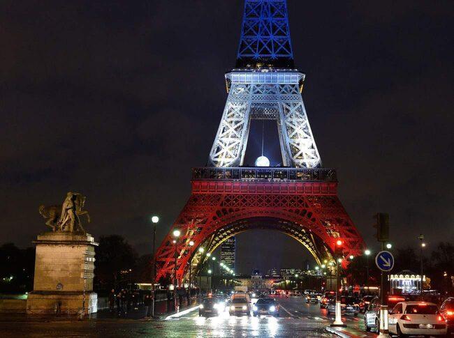 Antalet boende på hotell i den franska huvudstaden har störtdykt sedan attacken den 13 november.