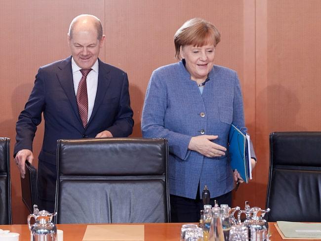 Varken tyska finansministern Olaf Scholz eller förbundskansler Angela Merkel tycker att dieselförbud är en bra lösning.