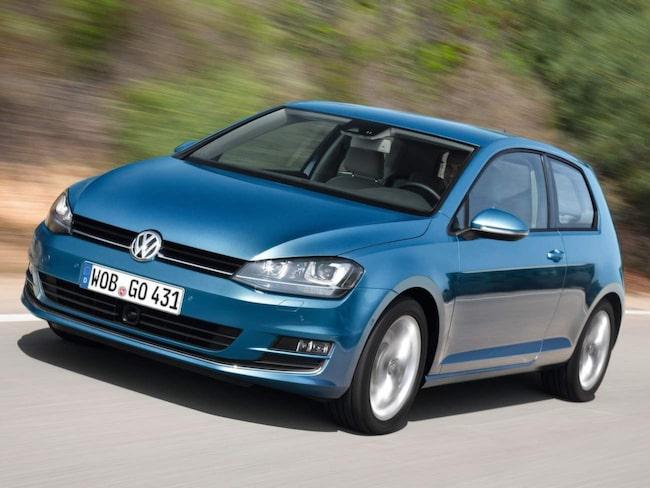 Golf får både facelift och nya motorer.