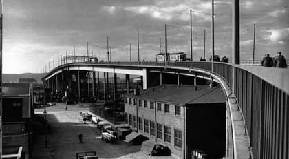 """Göta Älvbron en av de mest typiska byggnader som finns i Göteborg och Göteborgs motsvarighet till New Yorks Brooklyn Bridge. Foto: Bild ur boken """"Bilden av Göteborg"""""""
