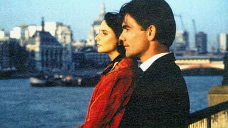 John Michie och Kate Steavenson-Payne i Monk Dawson (1998) Foto: IMDB