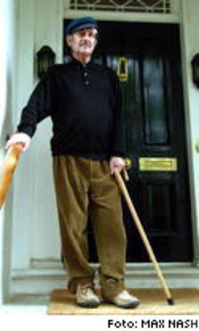 Rör upp känslor. Aktivist för mänskliga rättigheter eller tyrannernas försvarare? Valet av årets Nobelpristagare Harold Pinter är kontroversiellt.