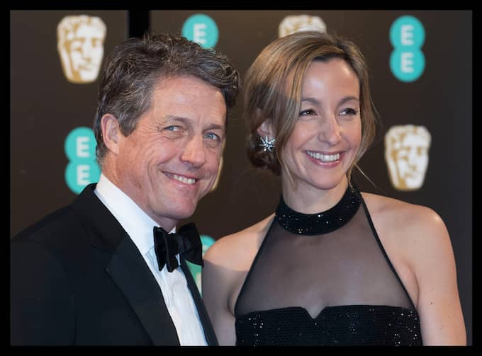 Hugh Grant och Anna Eberstein. Foto: STEPHEN LOCK / ZUMAPRESS.COM/IBL ZUMA PRESS