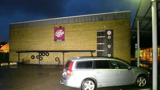 En 17-årig pojke har blivit knivskadad inne på Friskis och Svettis-gymmet i Ängelholm. Foto: MIKAEL NILSSON