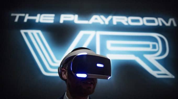 Playstation VR Typ: VR Släpps i år och kommer att fungera till Playstation 4 utrustad med Playstation Camera. Det återstår att se vilka spelutvecklare som redan då har spel redo. Foto: Axel Öberg