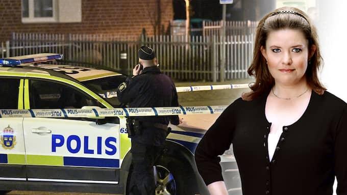 Pest eller kolera, säger Malmös polismästare om läget. Polisen rår inte på kriminaliteten och tvingas välja bort den ena allvarliga brottsligheten - eller den andra.